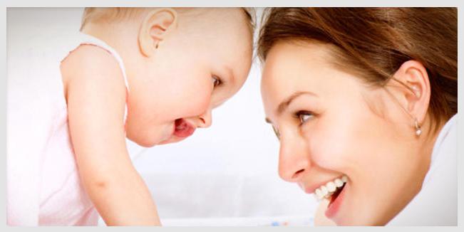 Platicar con los bebés es importante