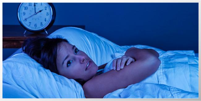 Cómo una mala noche hace desaparecer tu autocontrol: No dormir lo suficiente te hace más impulsivo y puede fomentar adicciones.