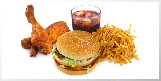 La comida rápida contiene más sal en el extranjero, están advertidos los turistas.
